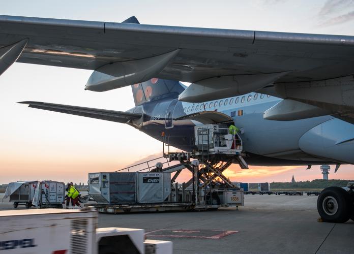 Chargement d'un avion passagers