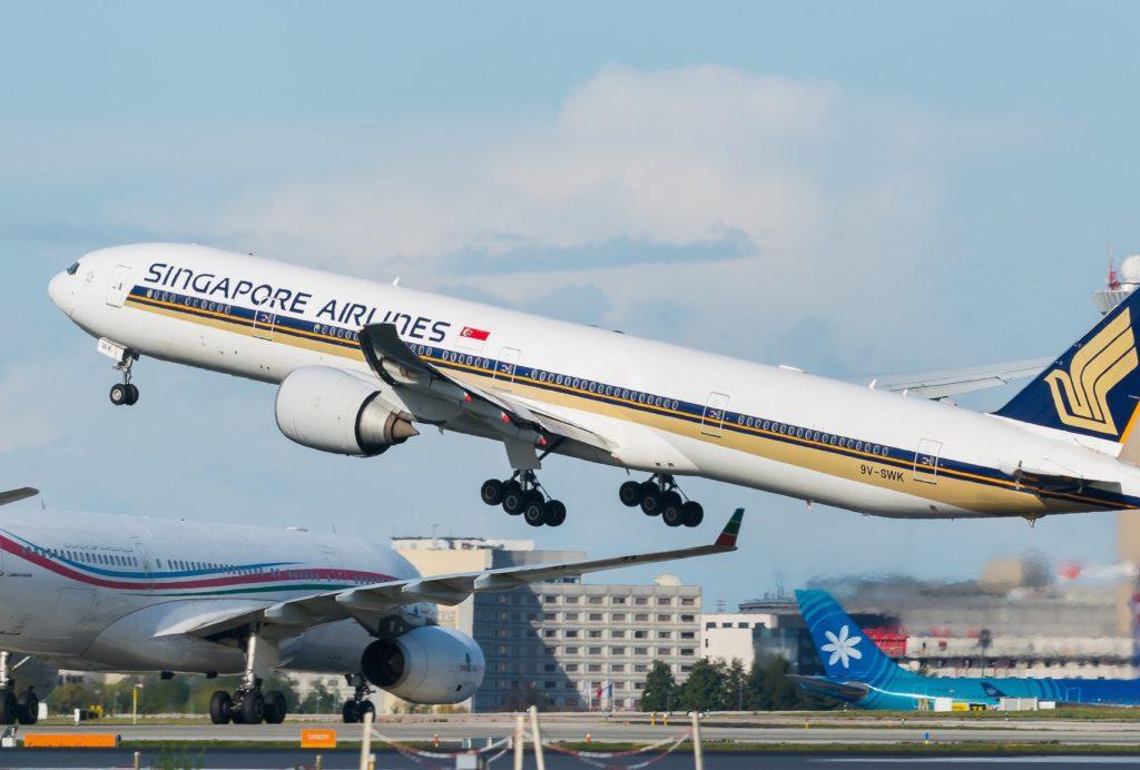 Boeing 777-312(ER) Singapore Airlines 9V-SWK