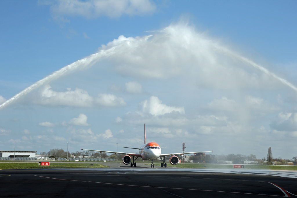1er vol easyJet entre Rennes et Lyon