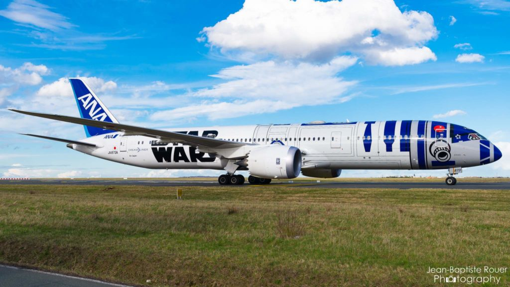 "Boeing 787-9 Dreamliner All Nippon Airways ""Star Wars R2-D2 Livery"" JA873A"