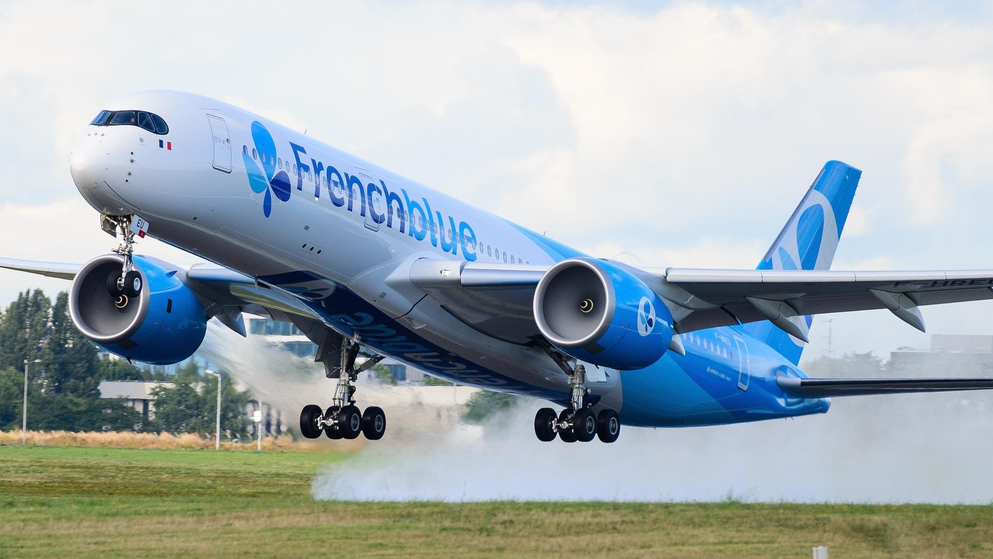 A350-941 French Blue F-HREU