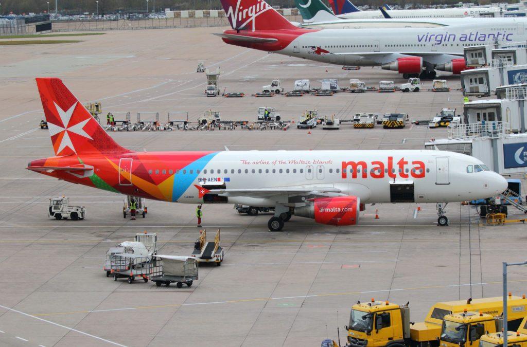 Airbus A320 Air Malta 9H-AEN