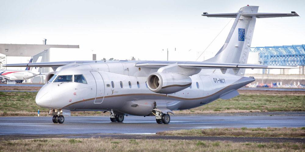 Dornier 328Jet de la compagnie JoinJet immatriculé OY-NCT sur l'aéroport de Toulouse Blagnac.