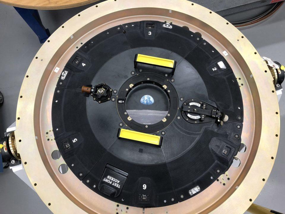 Le vaisseau spatial Orion tire parti du nouveau matériau Antero 800NA de Stratasys pour construire une trappe d'accueil imprimée en3D