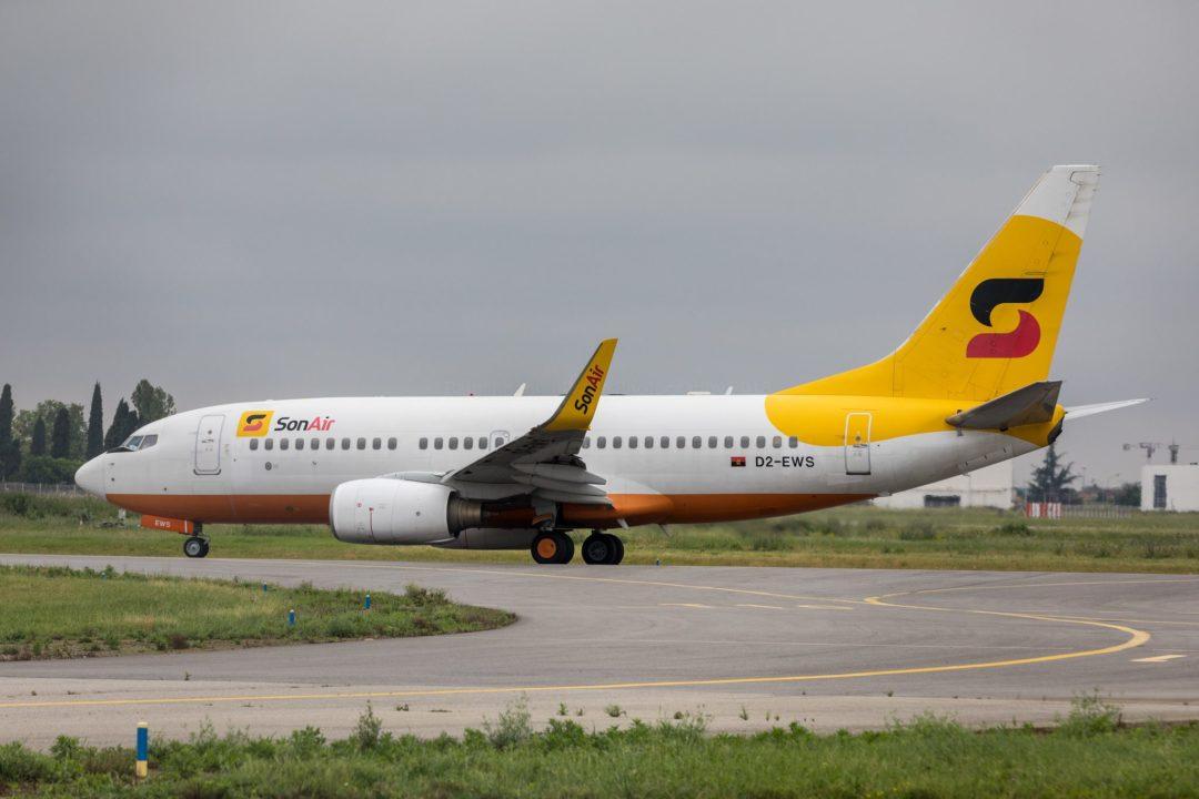 SonAir B737-700