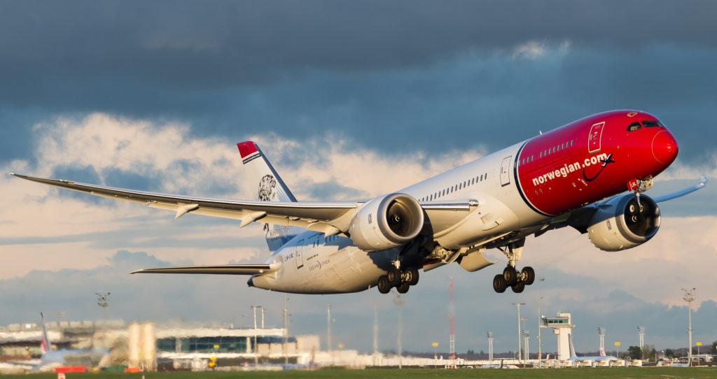 Le Boeing 787-9 de la compagnie Norvegian LN-LNL porte fierement le portrait de Kirsten Flagstad, une chanteuse d'opéra Norvégienne.