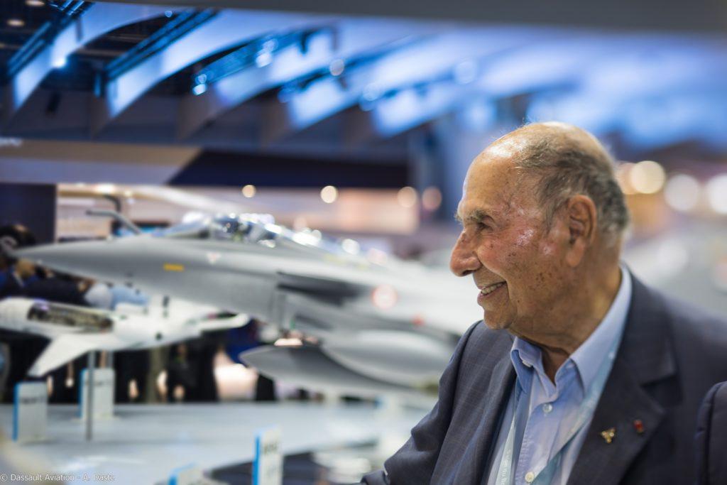 Serges Dassault sur le stand du constructeur au salon du Bourget 2017