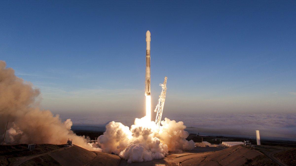 Décollage du lanceur Falcon 9