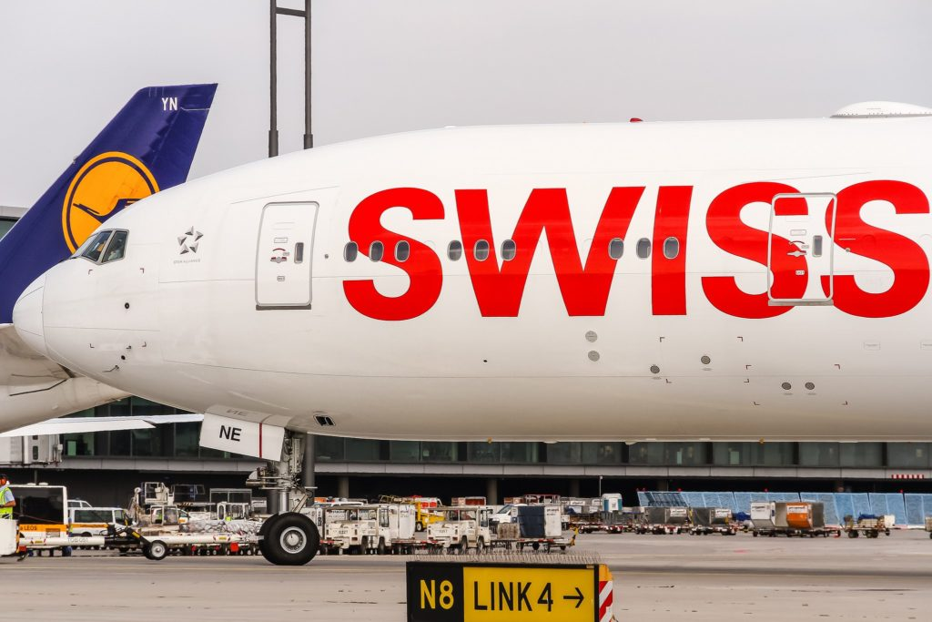 HB-JNE Swiss Boeing 777-3DE(ER)