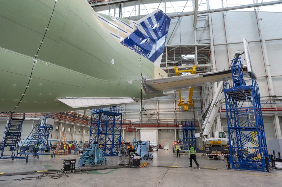 tests de vibrations au sol du BELUGA XL
