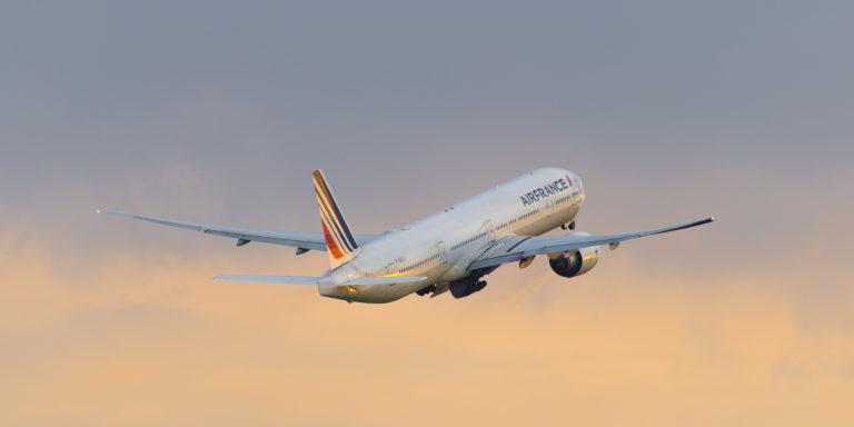 Boeing 777-328(ER) Air France F-GSQJ