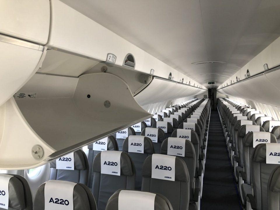 Cabine spacieuse et confortable de l'A220 Airbus à Toulouse