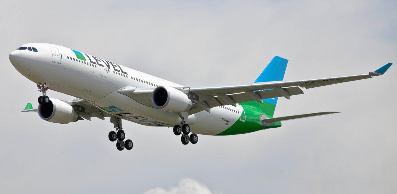 AIRBUS A330-202 (MSN 1877)