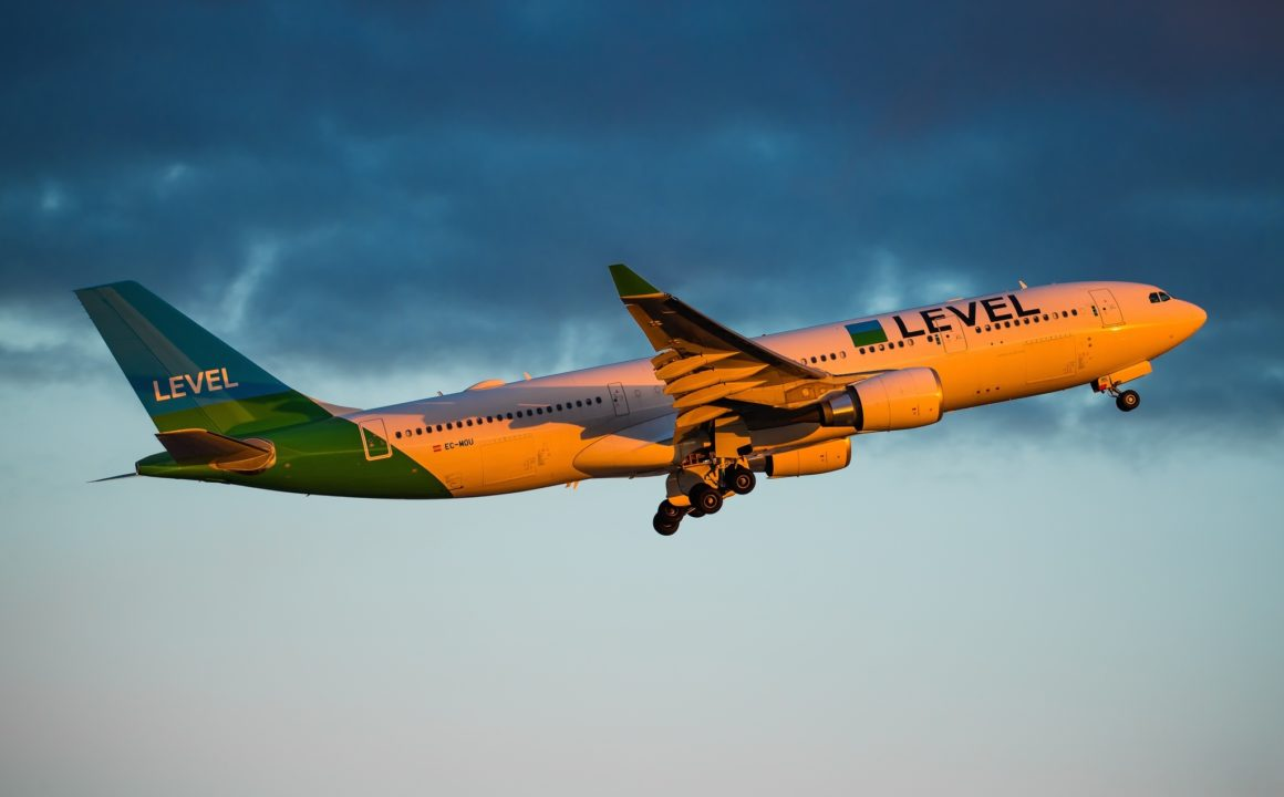 LEVEL Airbus A330-200 / EC-MOU