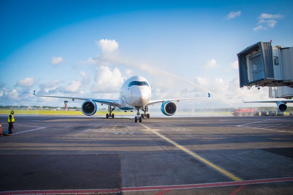 A350 Air Caraïbes sur le tarmac de Guadeloupe