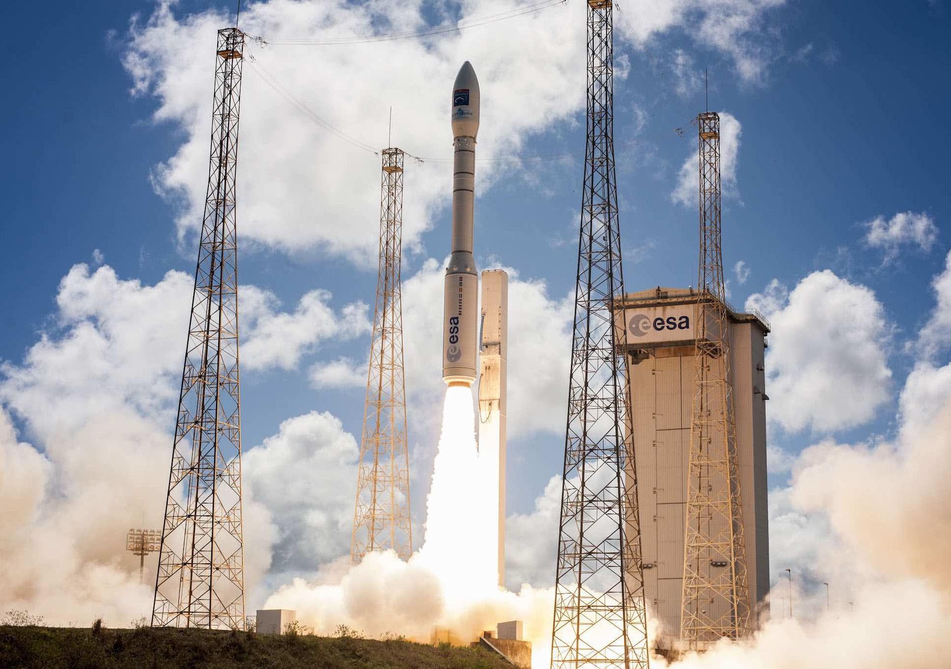Lancement de la fusée VEGA à Kourou - Décollage VV08, le 05/12/2016