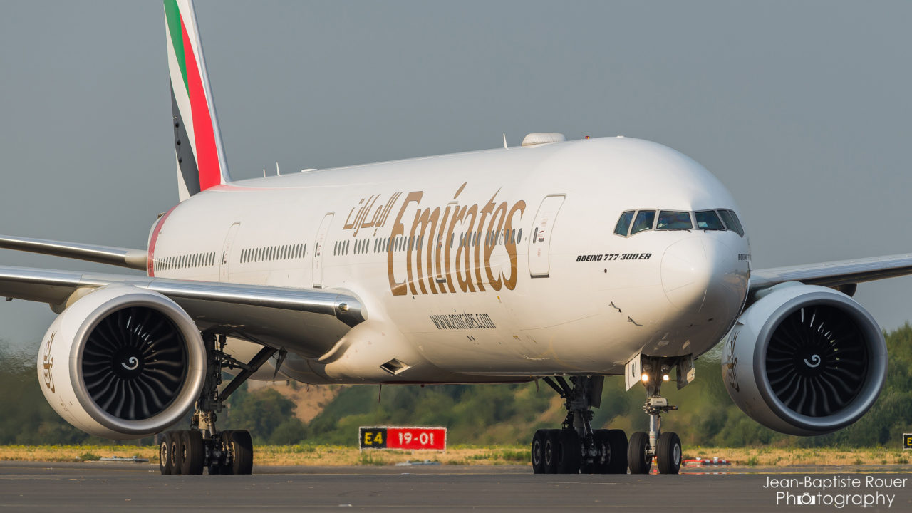 Boeing 777 Emirate
