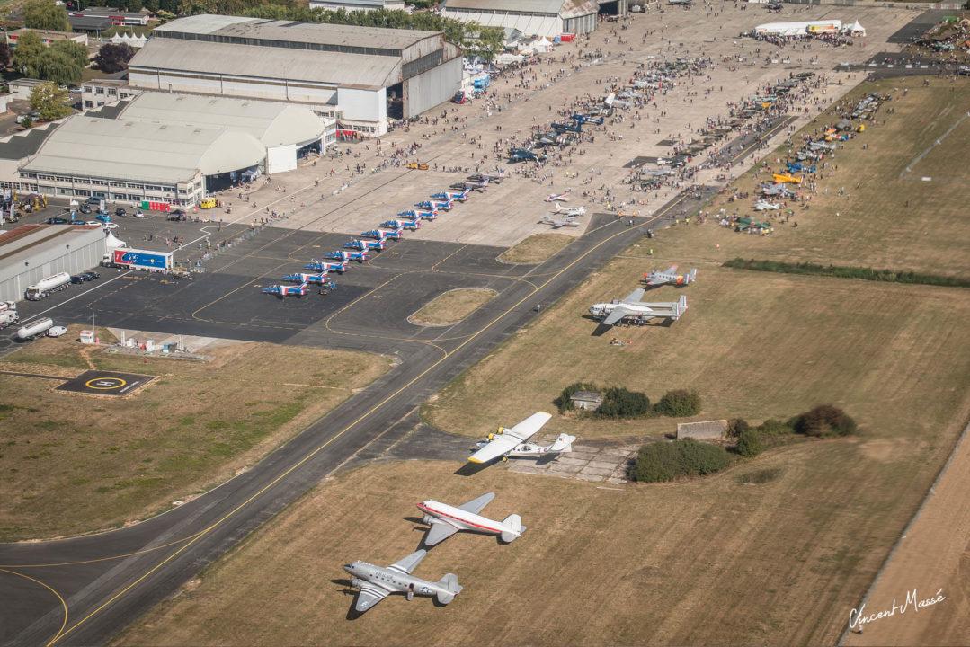 Parking de l'aéroport de Melun Villaroche vu du ciel