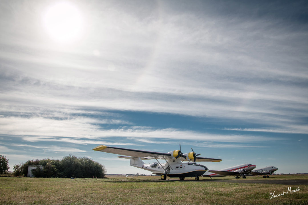 Consolidated PBY Catalina et Douglas DC3