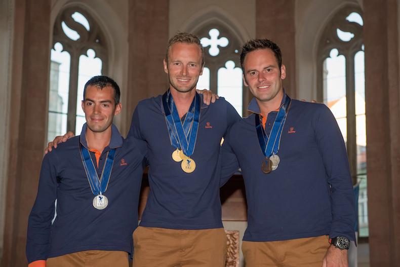 Orlowski, Louis Vanel, Mikael Brageot se sont placés sur les trois premières places à Jindrichuv Hradecdu podium