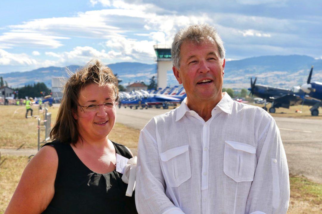 La responsable de l'aéroport et un élu de l'agglomération roannaise