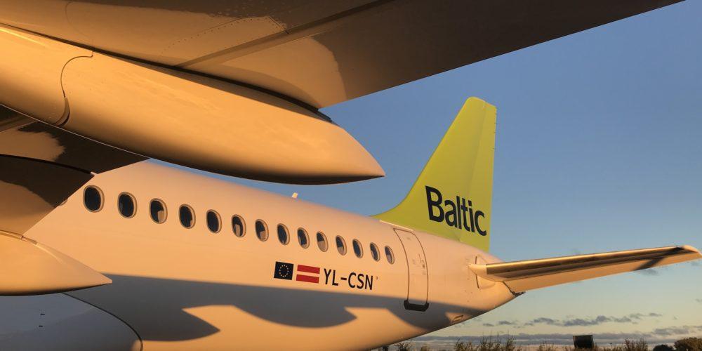 Airbus A220-300 airBaltic, immatriculé YL-CSN.