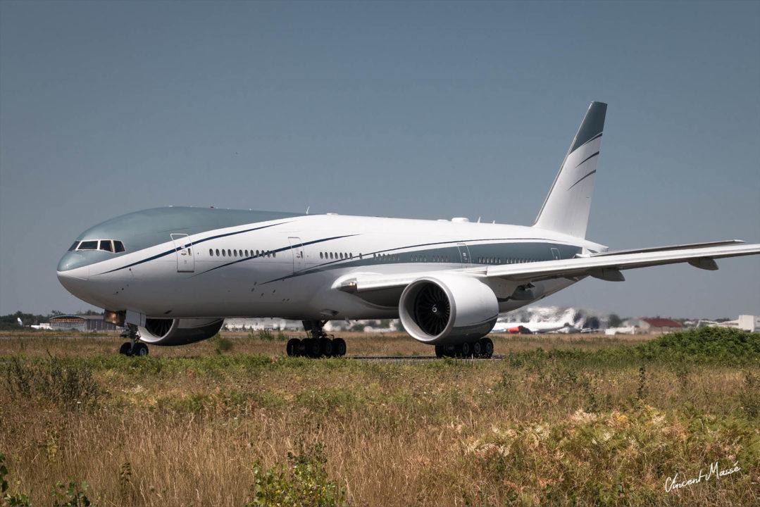 VP-CAL, Boeing 777 privé