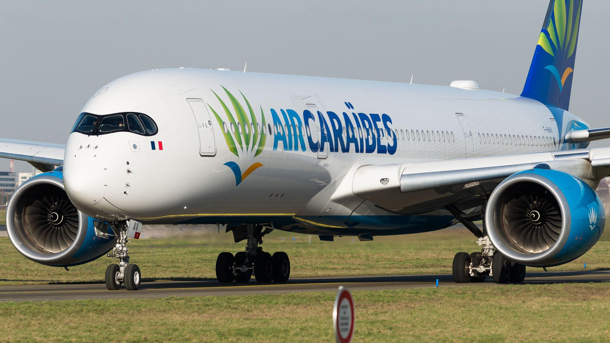 Airbus A350-900 Air Caraïbes F-HHAV