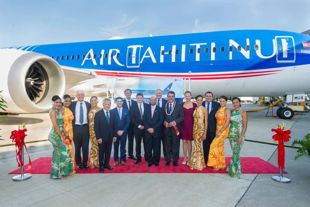 La délégation officielle devant F-OMUA « Fakarava »