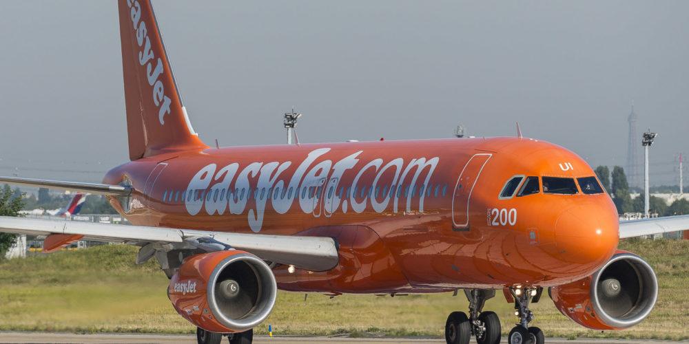 Airbus A320-214 Easyjet G-EZUI