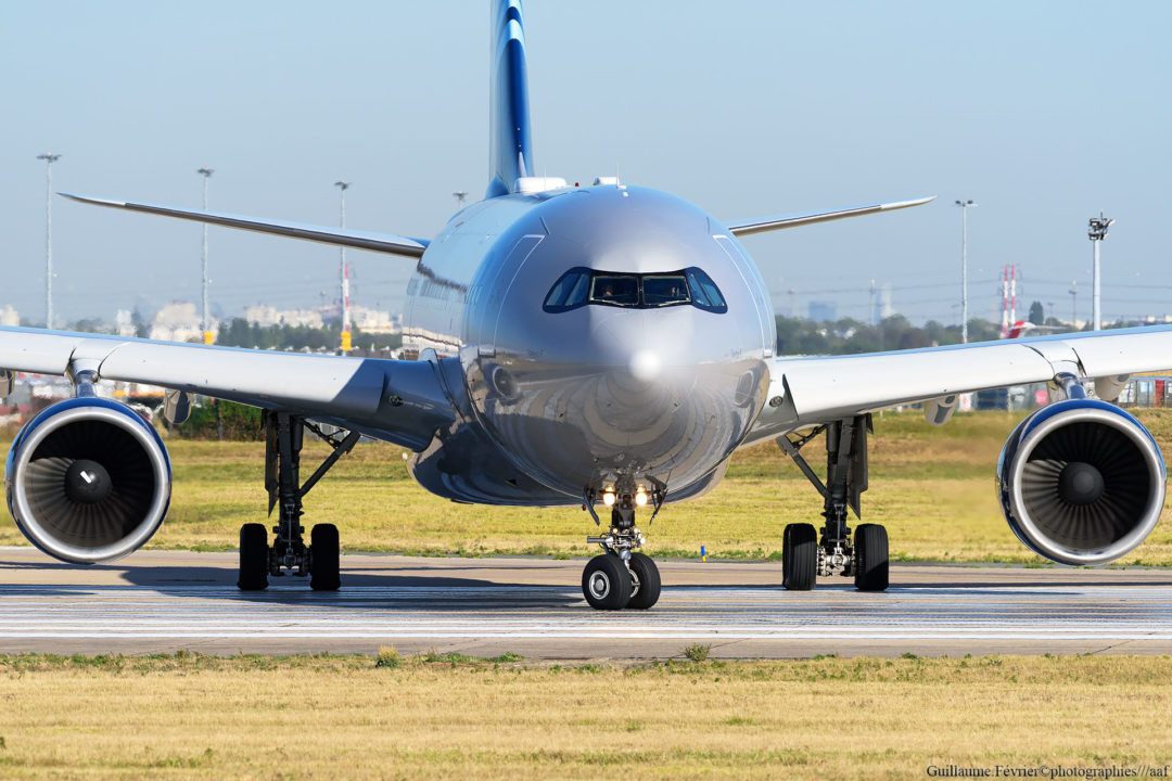 Airbus A330 Aigle Azur à Orly