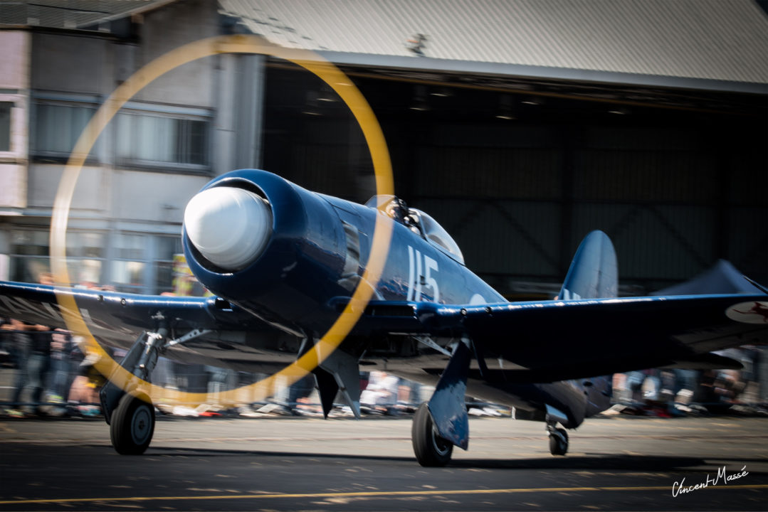Hawker Sea-Fury au roulage à Melun