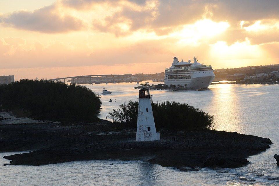 L'entrée de la baie de Nassau aux Bahamas