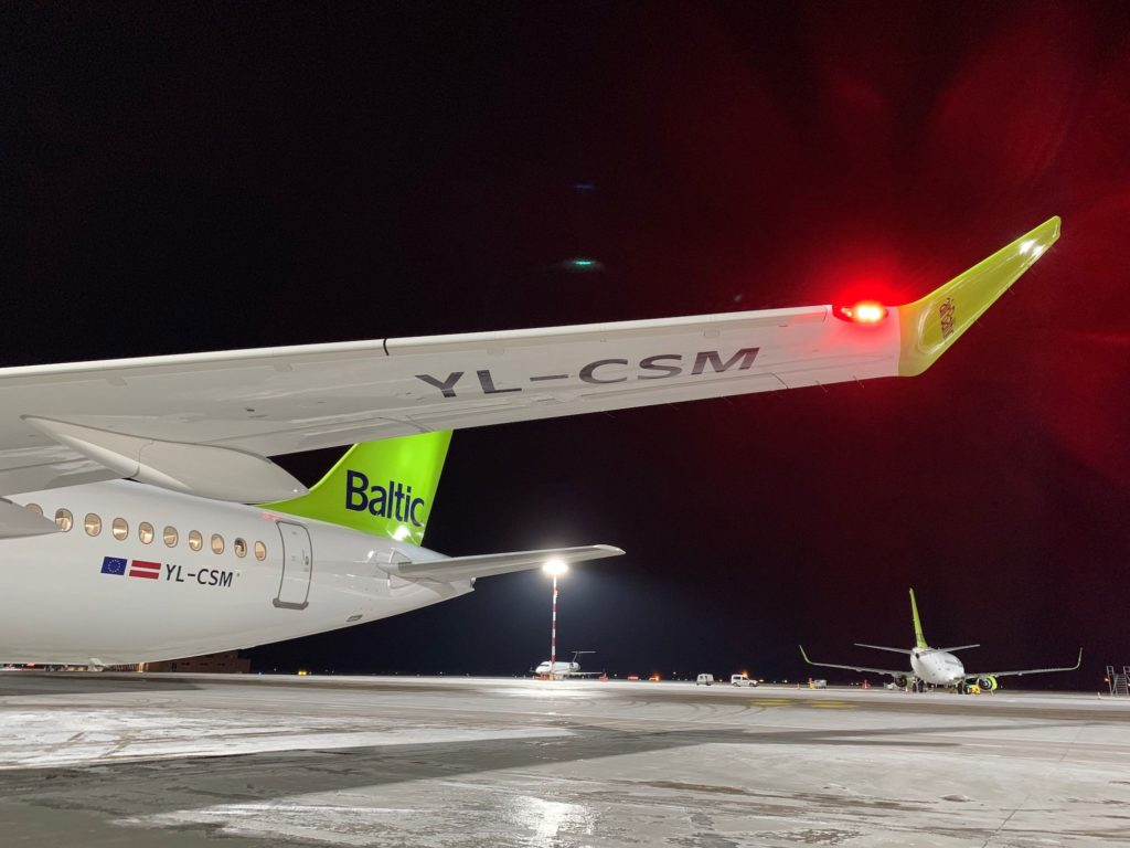 A220-300 airBaltic YL-CSM