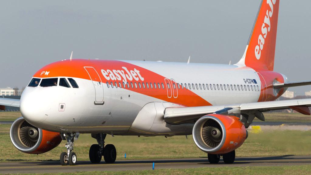 Airbus A320-214 EasyJet G-EZPW