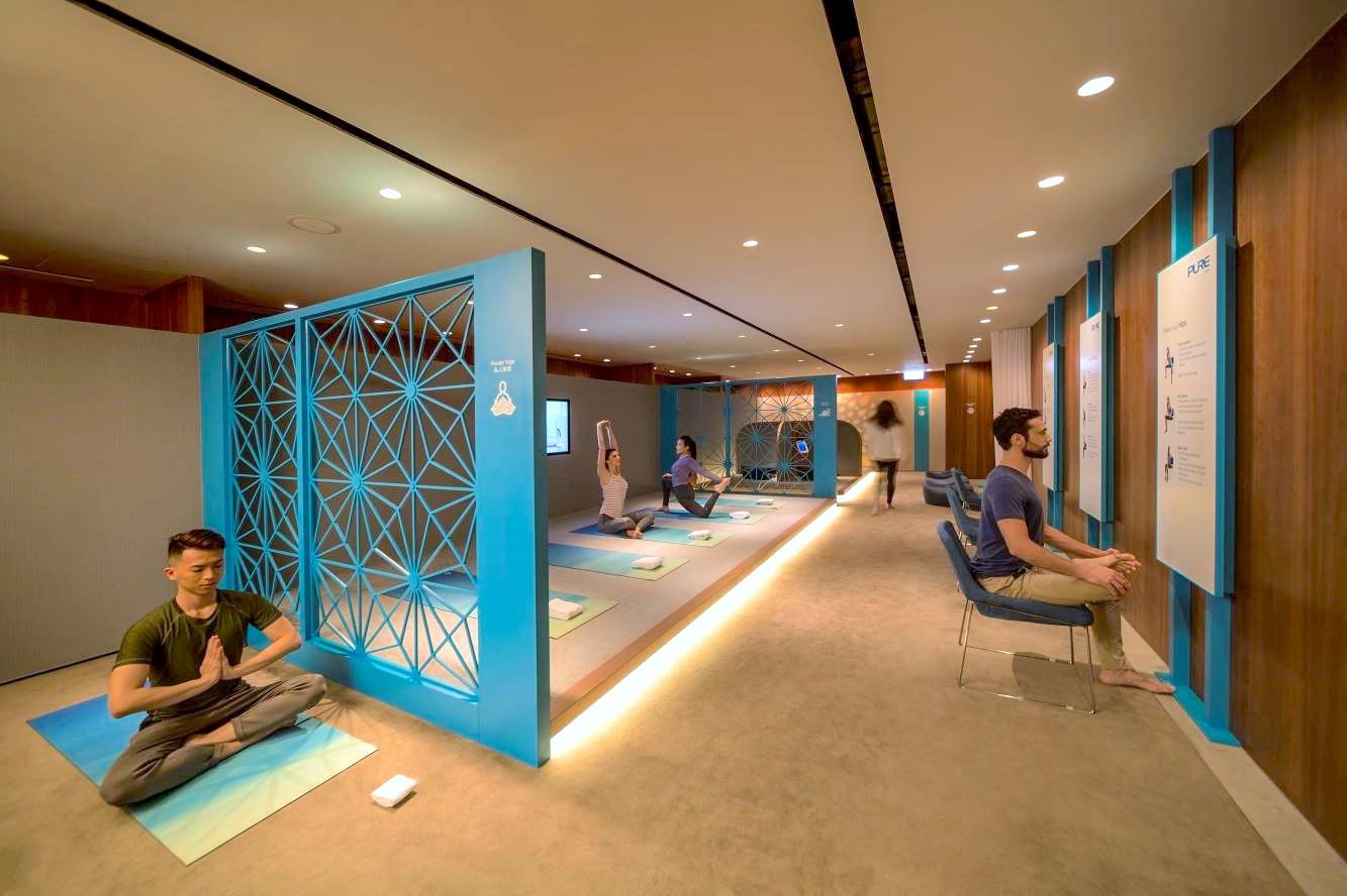 « The Sanctuary » dans le salon « The Pier Business Class » de l'aéroport international de Hong Kong