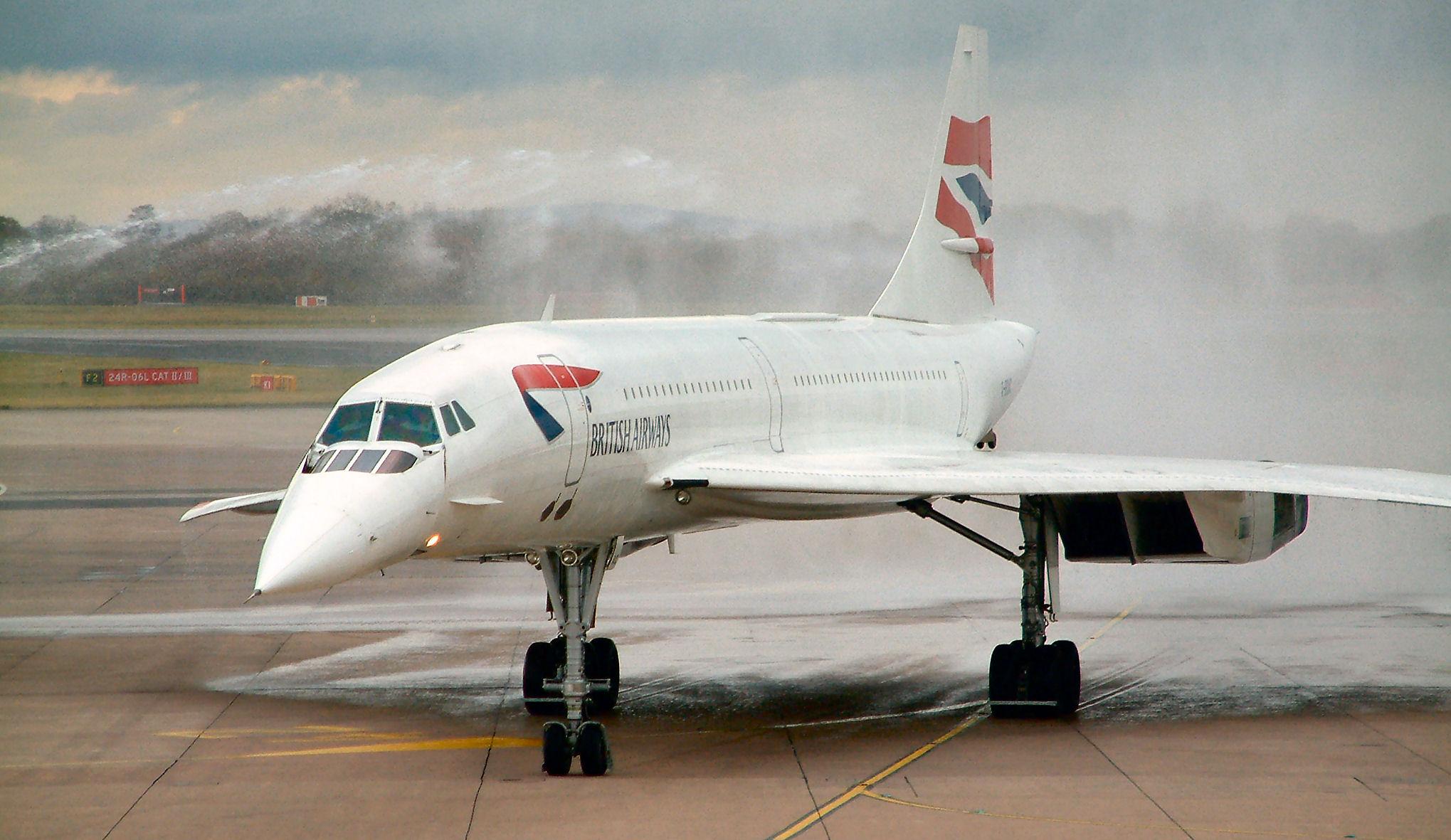 Le Concorde atterrit à Londres après son dernier vol