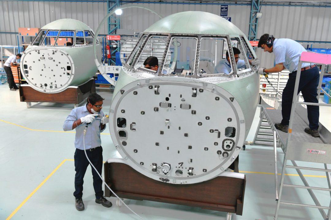 Première pointe avant de Falcon 2000 produite en Inde