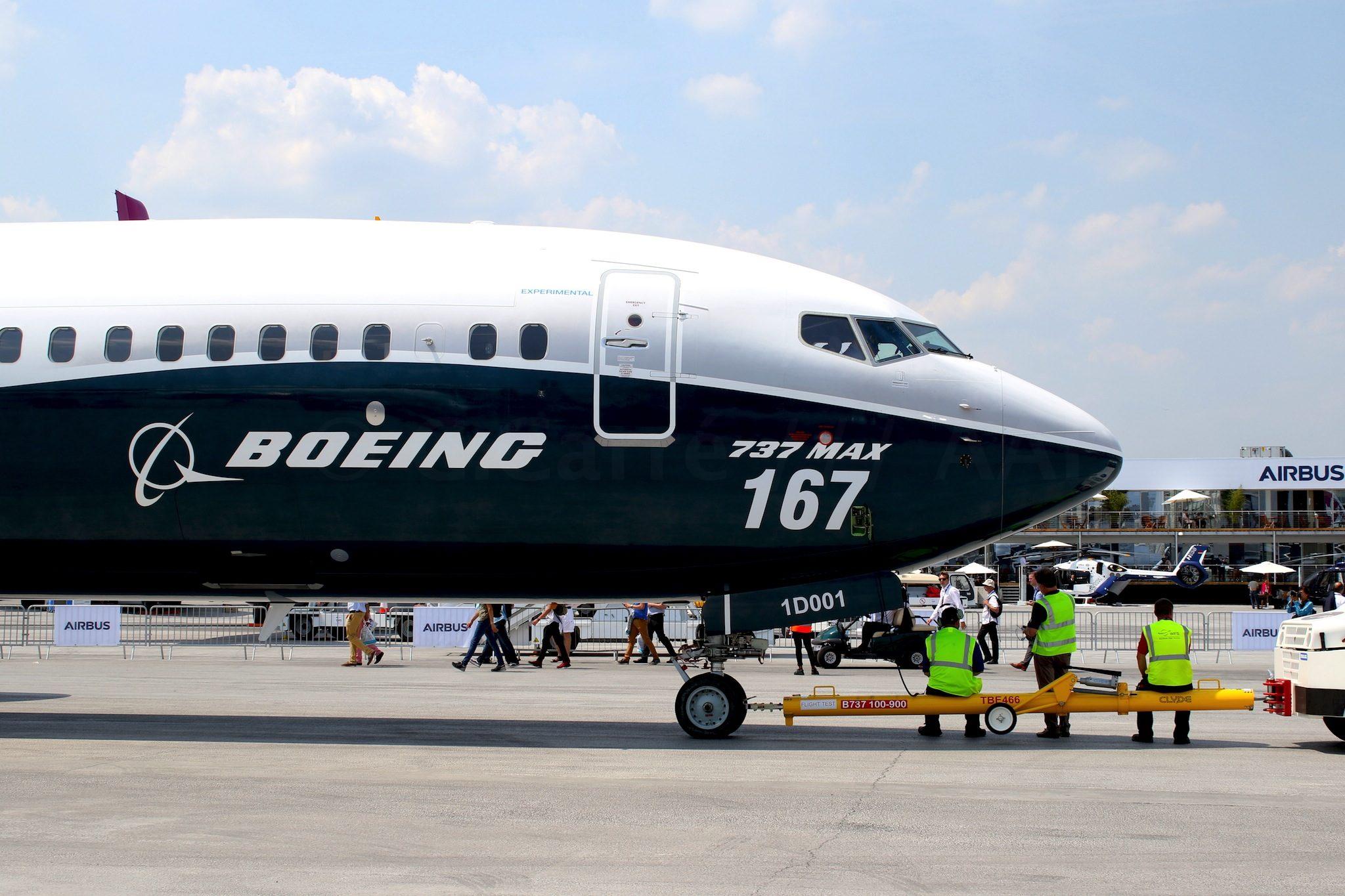 B737 MAX 10