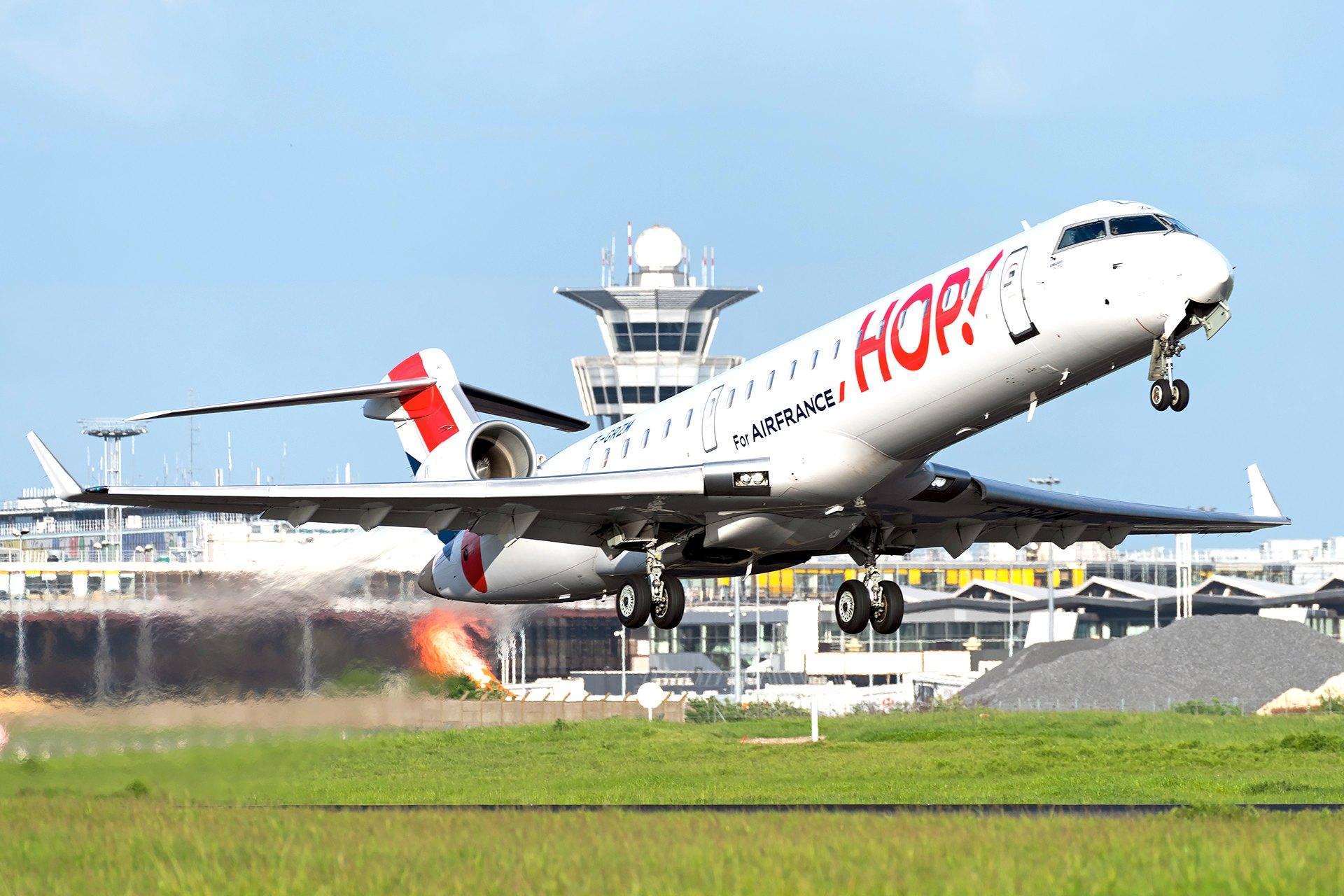 Bombardier CRJ 1000 HOP!