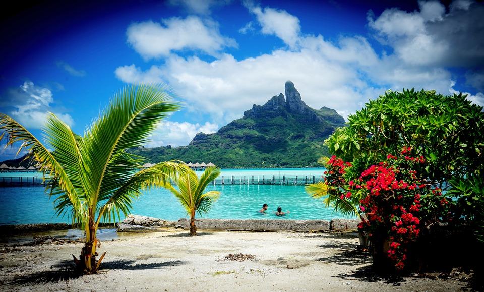 Plage à Bora-Bora, en Polynésie-Française