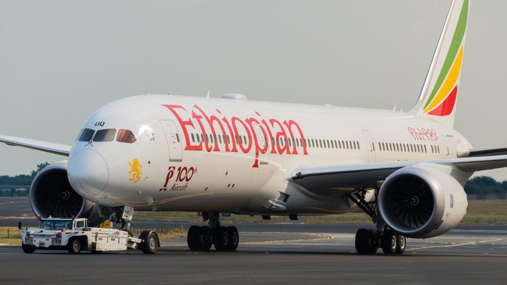 Boeing 787-900 Dreamliner Ethiopian Airlines ET-AUQ