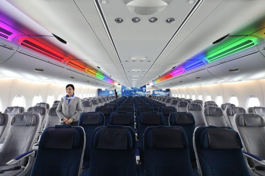 Cabine Économique de l'A380 ANA « FLYING HONU »