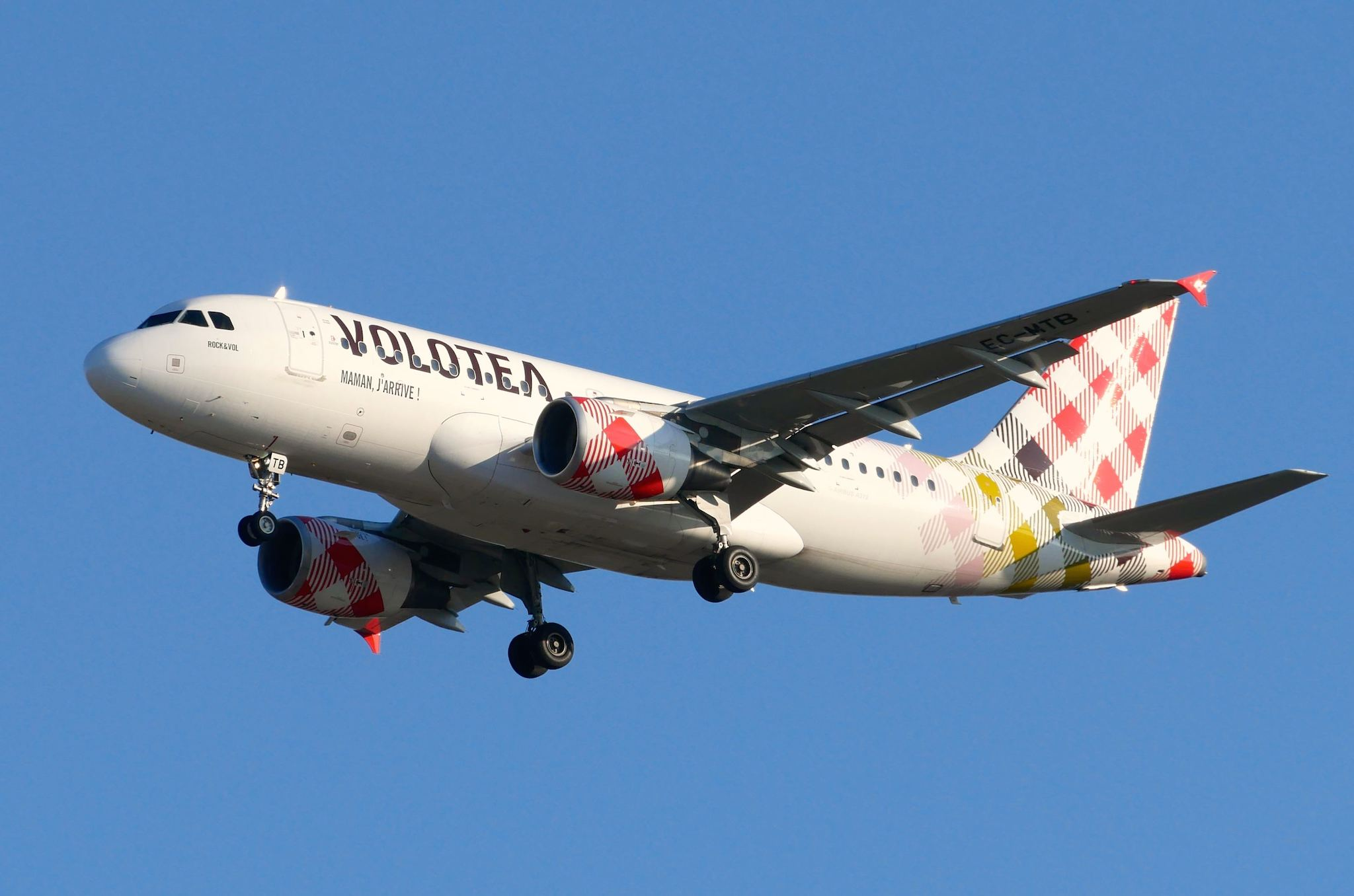 """Airbus A319 Volotea """"Rock & Vol"""""""