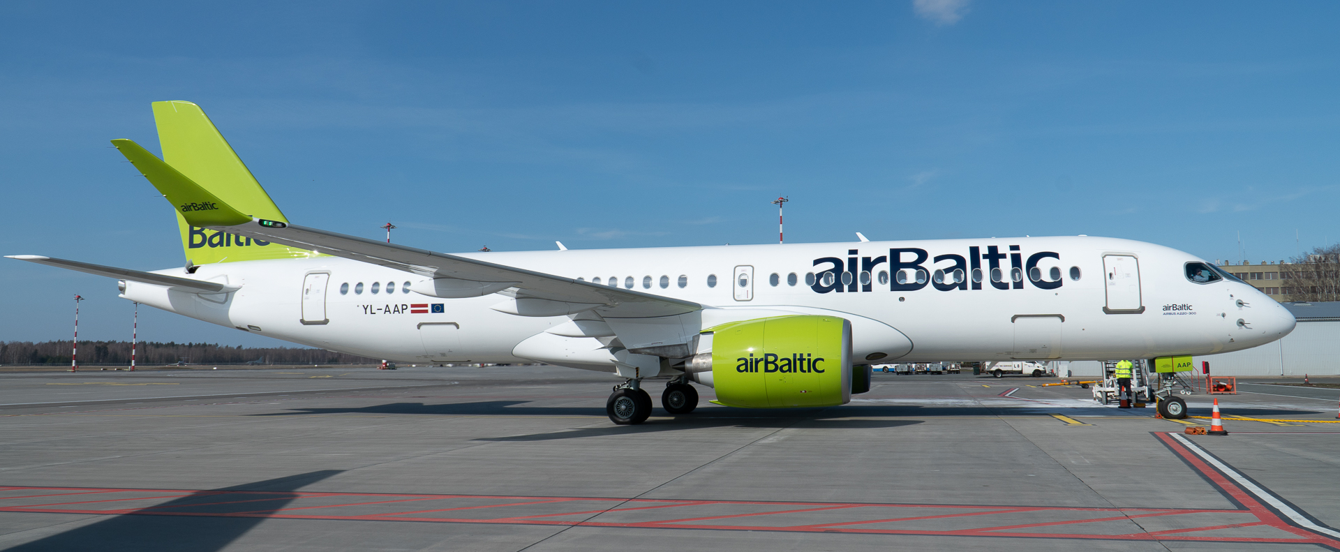 A220-300 airBalic YL-AAP