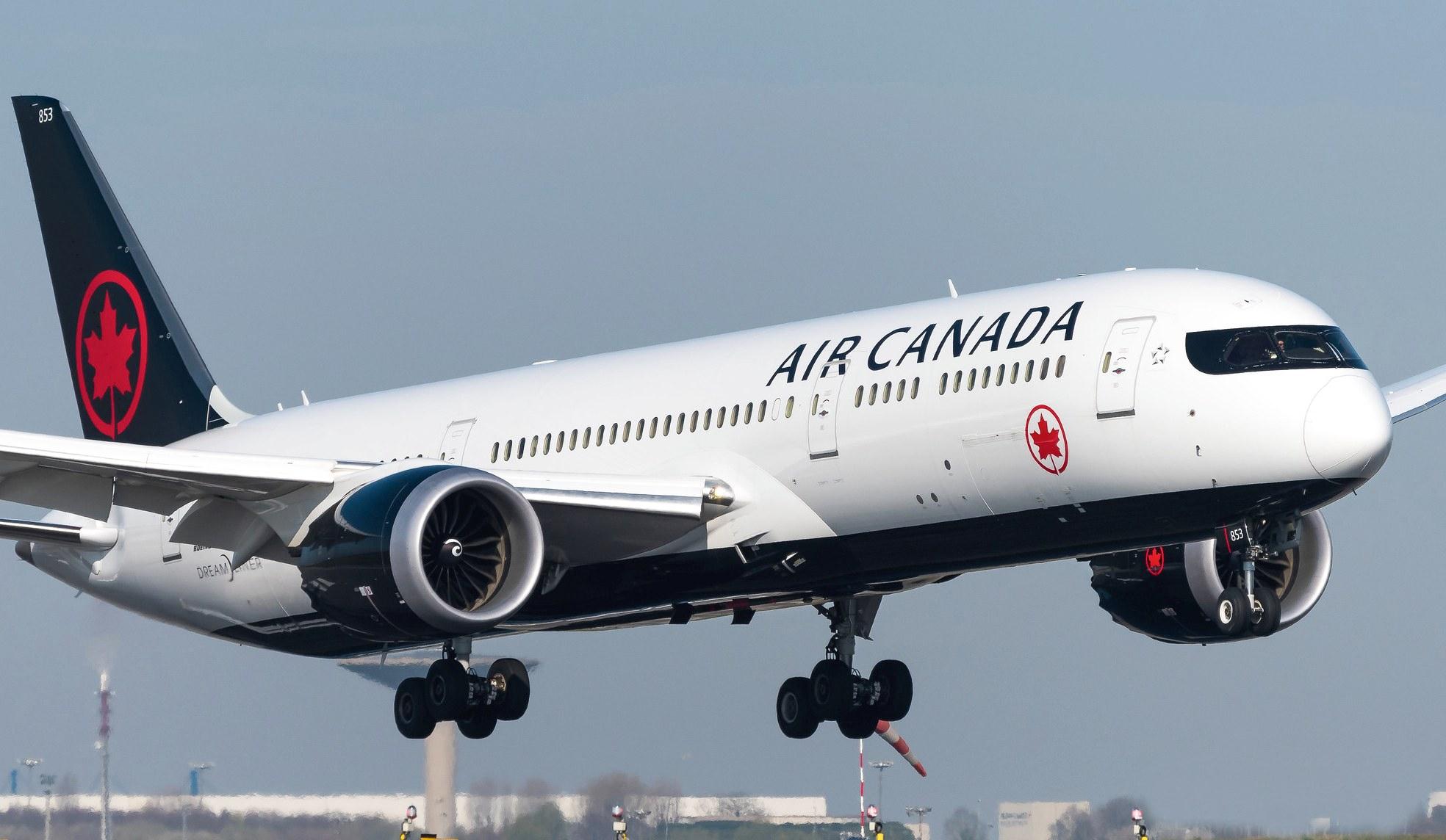 Boeing 787-9 Dreamliner Air Canada C-FVLQ