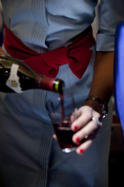 Service du vin en Premium et Eco Air France