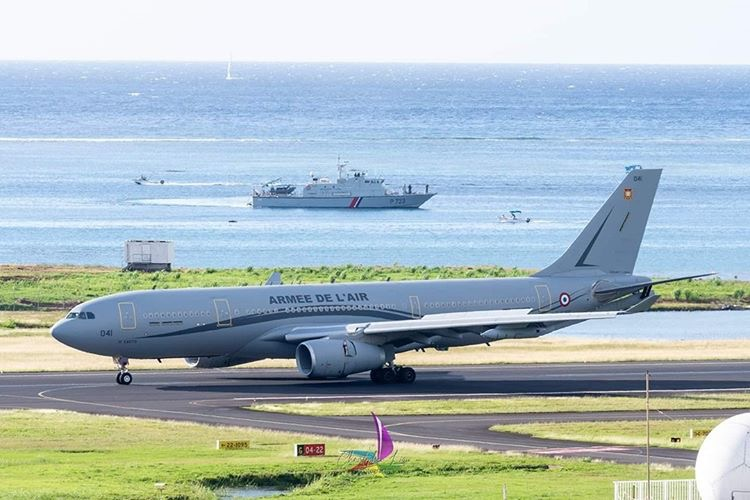 A330MRTT Armée de l'Air / F-UJCG à l'aéroport international de Tahiti Faa'a [PPT]