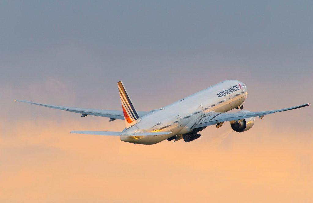 Boeing 777-328(ER) Air France F-GSQJBoeing 777-328(ER) Air France F-GSQJ