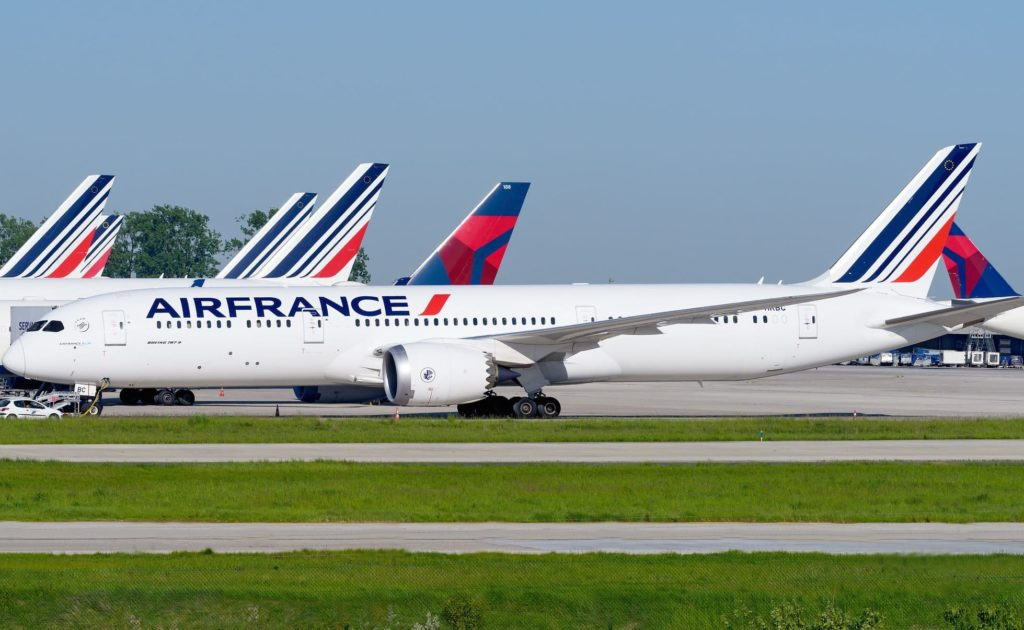 Air France 787 et avions Delta à CDG